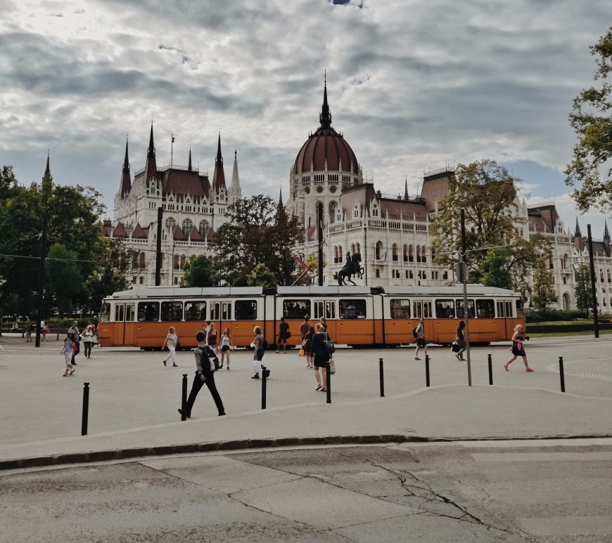 Top-5-Instagram-Places-Budapest-Hungarian-Parliament